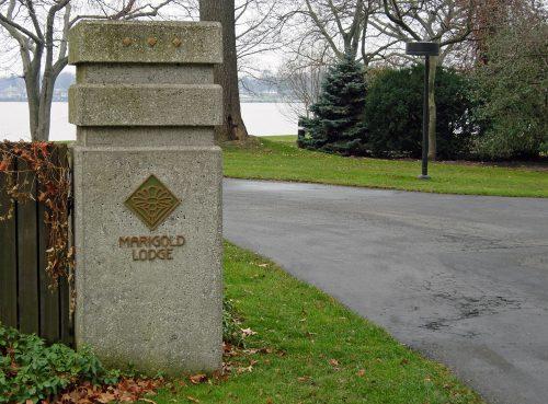 Marigold Lodge 2005 Exterior Sign